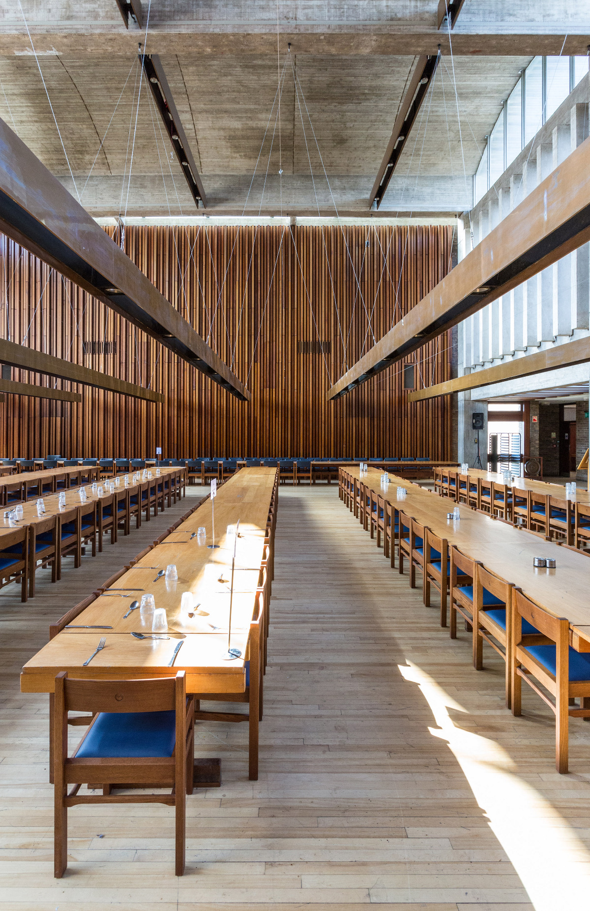 Churchill college matthew smith architecture for U of t dining hall hours